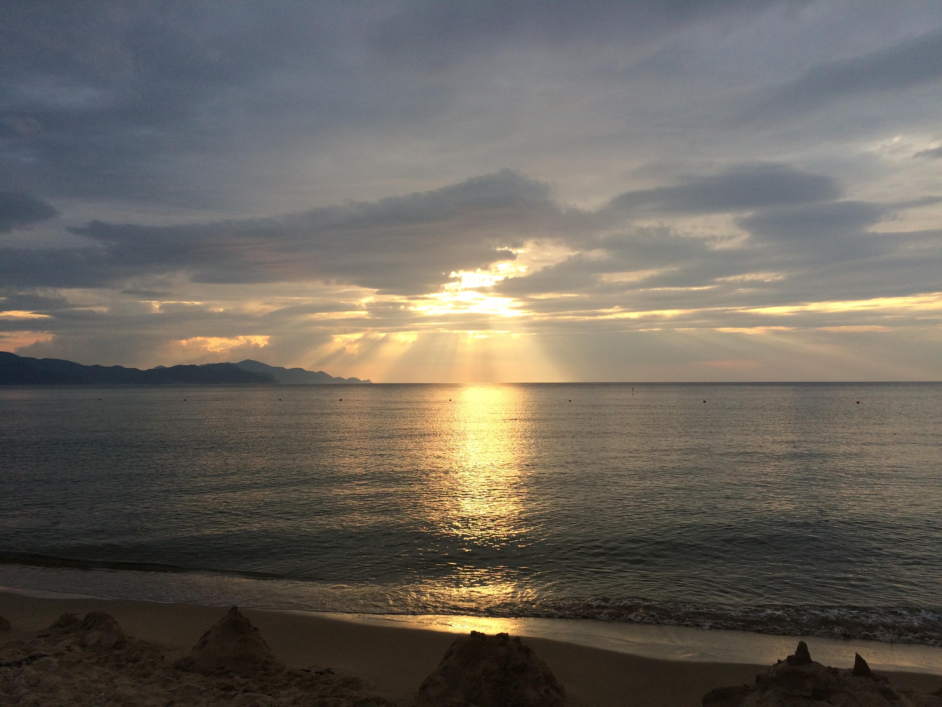 海に沈む夕日 夕日ヶ浦温泉 京都