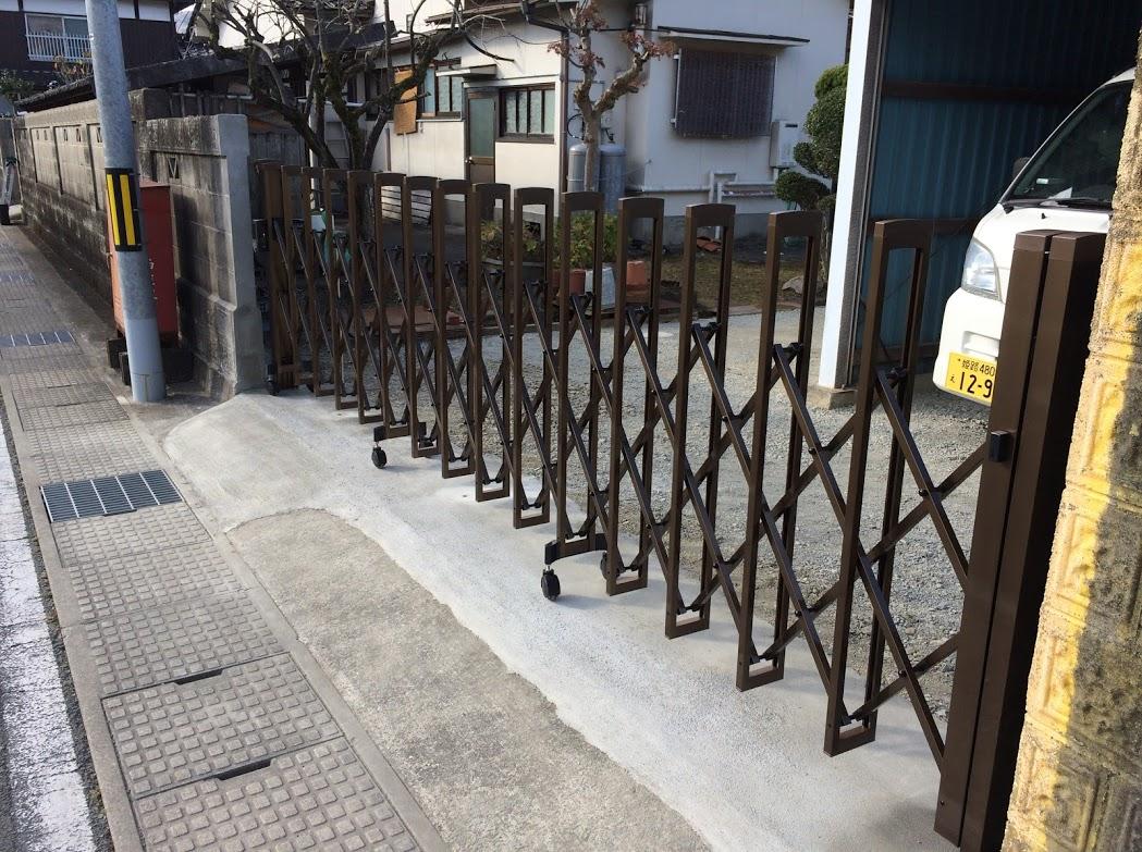 門とブロック塀とゲートも併せて設置しました。